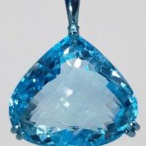 Pendentif Topaze bleu en titane