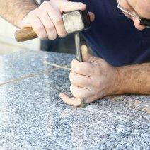 gravure sur granit